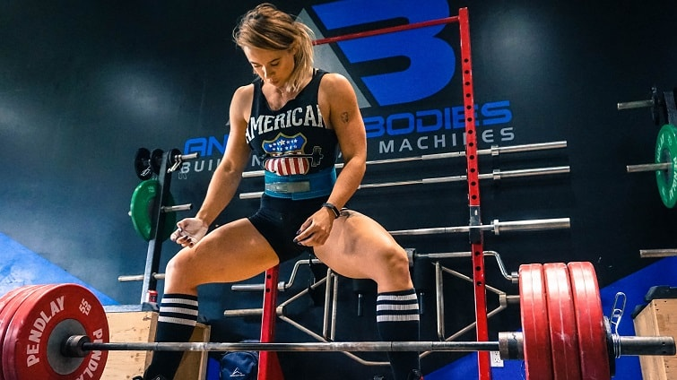 heavy-weight-mass-gainer-review-female-powerlifter.jpg